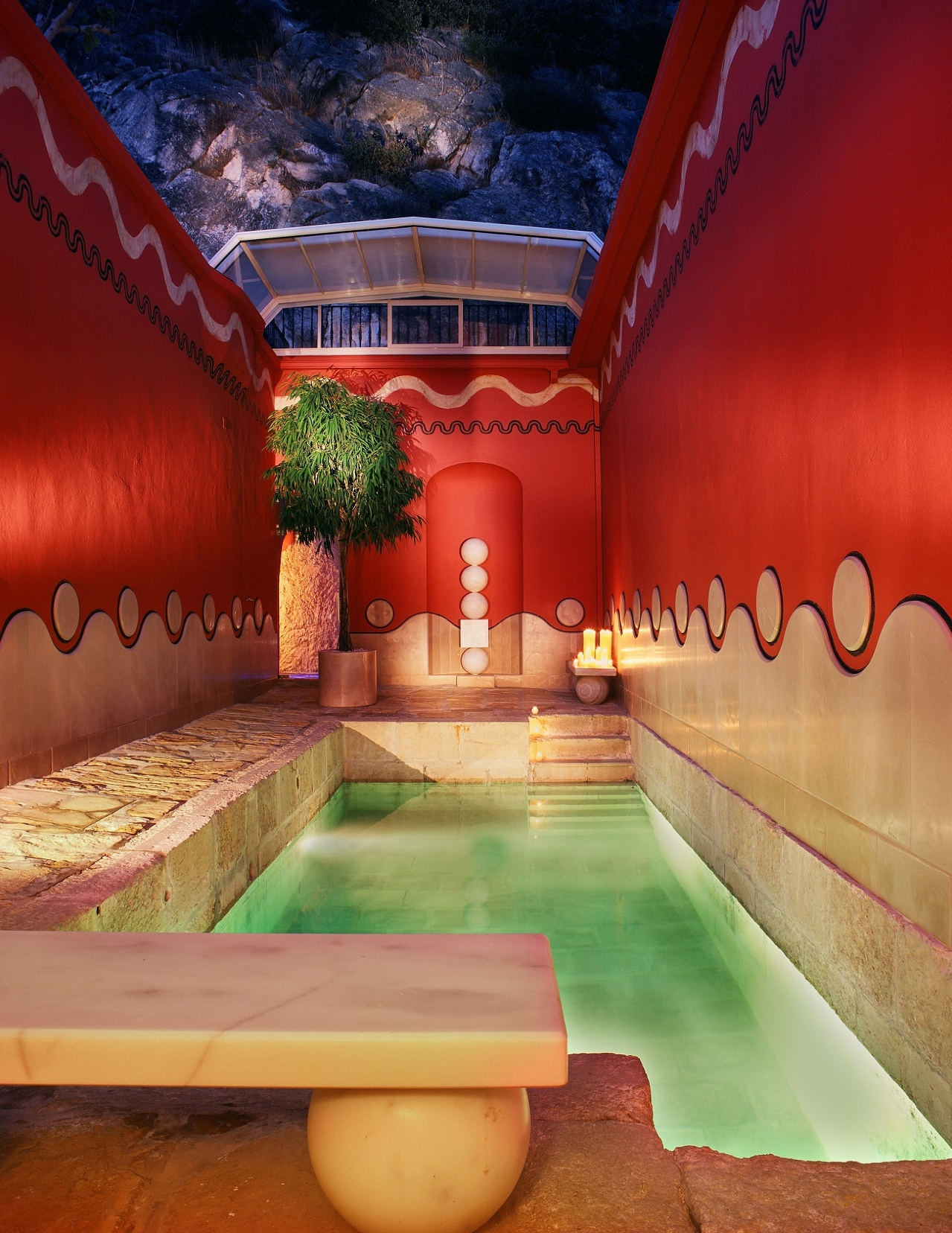 red_therapy_bath