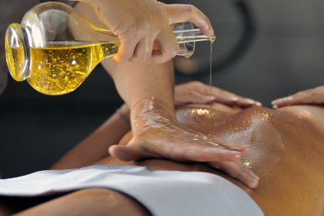 Saturnia_Golden_Body_Treatment2