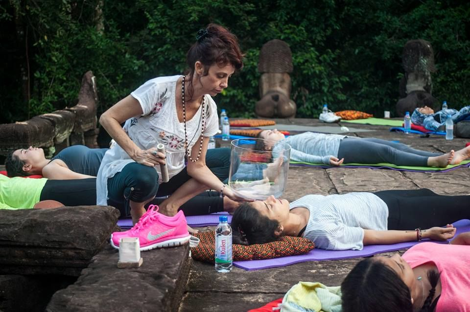 7_Yoga_at_the_Temple