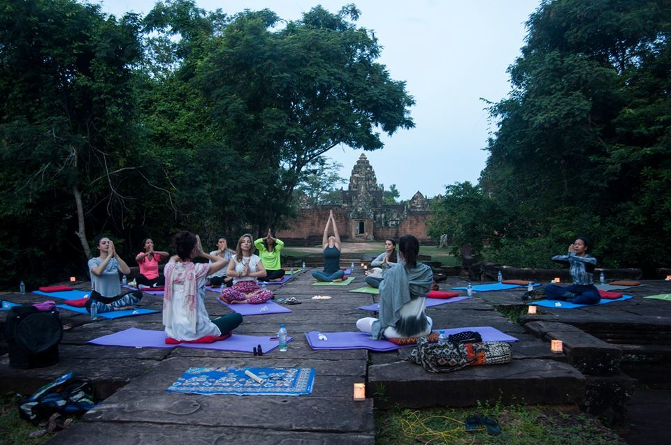 8_Yoga_at_the_Temple